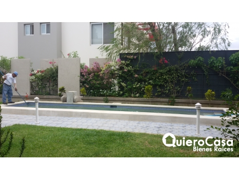 Preciosa casa con piscina en exclusivo residencial cod: C127J