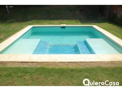 Se alquila casa con piscina en Las Colinas, CJ0079