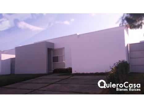 Casa en Las Colinas con piscina c146j