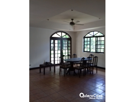 Casa en Las Colinas cod: C189J