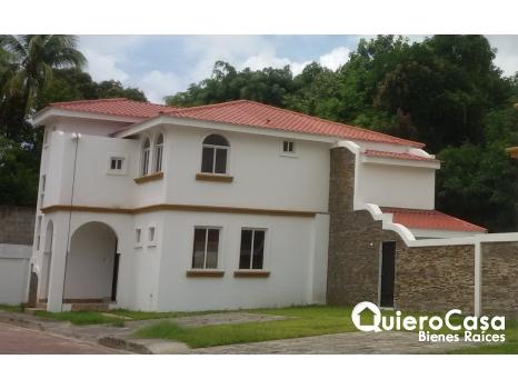 Condominio en Las Colinas