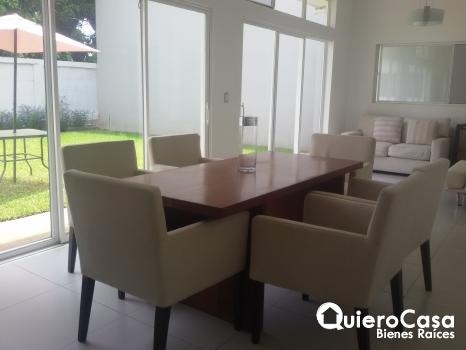 Amoblada en Las Colinas CJ0019