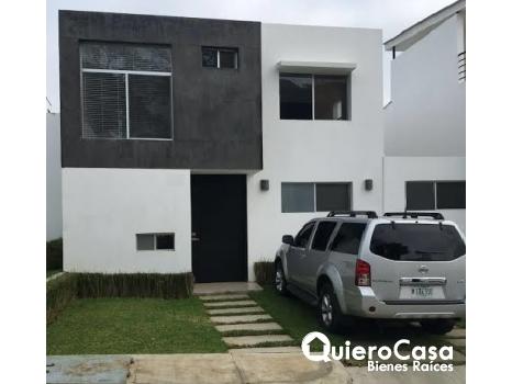 venta  de moderna casa en Santo Domingo