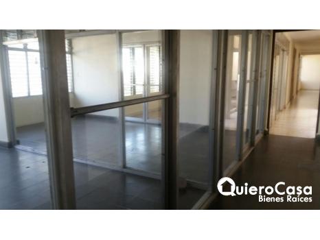Renta Edificio en Montoya,