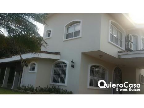Alquiler y Venta de Casa en Santo Domingo