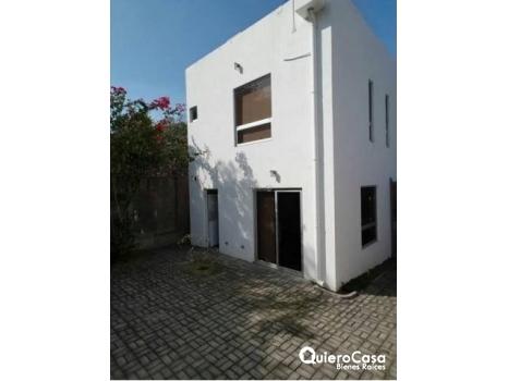 Casa con linea blanca en Villa Fontana