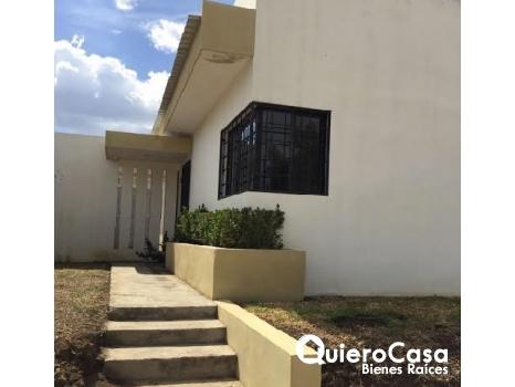 Bonita casa en alquiler en Villas Lindora