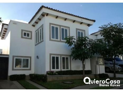 Preciosa Casa en Alamedas de las Colinas