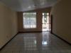 Se Vende Amplia Casa en carr. Masaya
