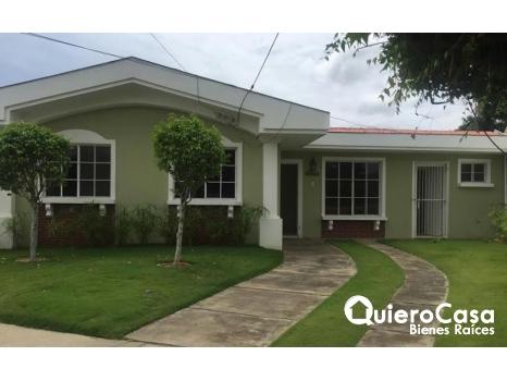 Se Vende Amplia Casa en Carretera Vieja a Le�n