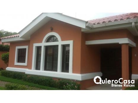 Alquiler de casa en Estancia de Santo Domingo