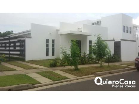 Alquiler de preciosa casa en Santo Domingo,