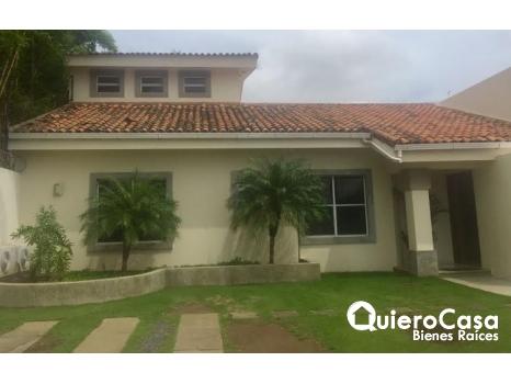 Alquiler de casa en Santo Domingo,