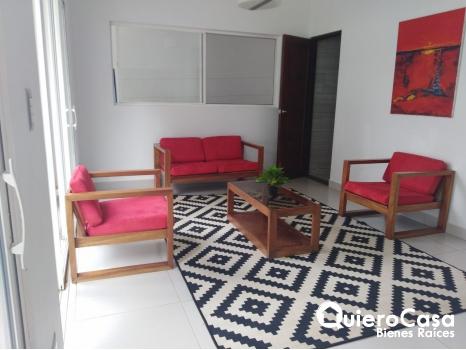 Se renta casa amueblada en Las Colinas