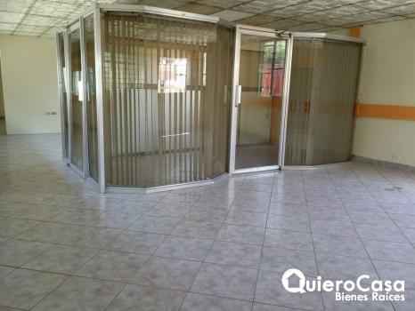 Alquiler de local comercial en Rubenia