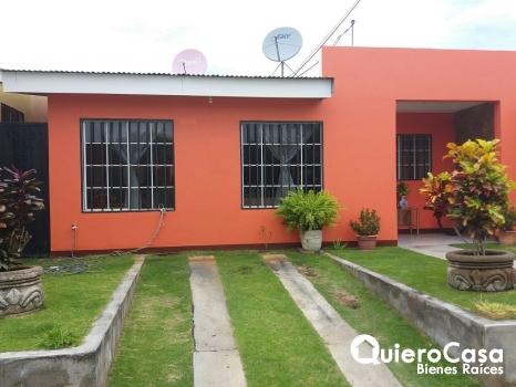Renta bonita casa en Las Colinas