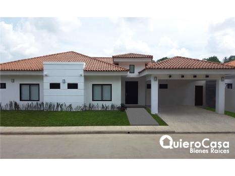 Lujosa casa en venta en Santo Domingo