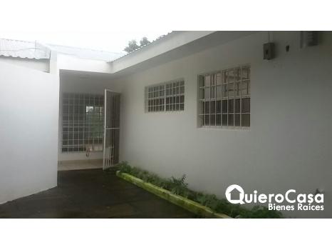 Renta de amplia casa en Santo Domingo