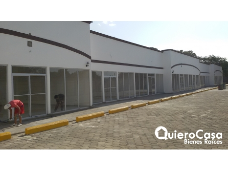 Local comercial por Galerías Santo Domingo