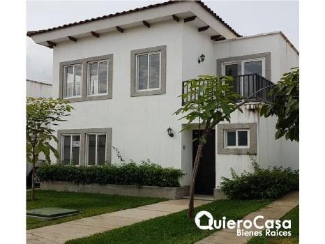 Preciosa casa en renta en Alamedas de las colinas