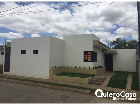 Se renta Bonita casa en Villas Lindora