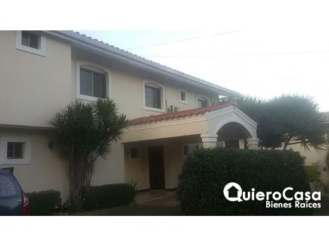 Hermosa casa amueblada en Estancia de Santo Domingo