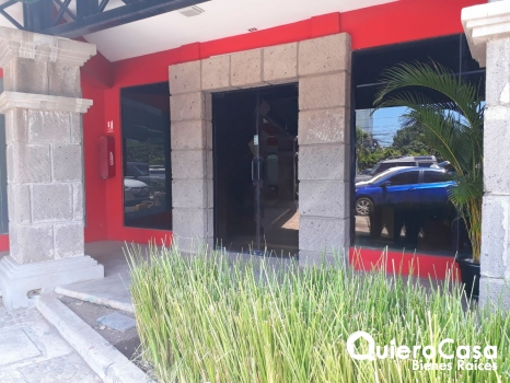 Renta de local comercial en Los Robles