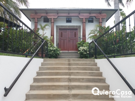 Alquiler de hermosa casa en Villa Fontana