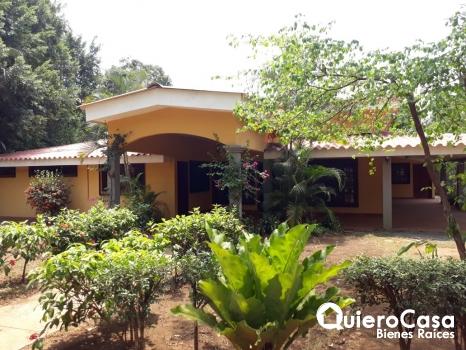 Renta bonita casa en Carretera Masaya