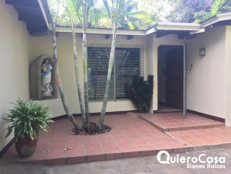 Renta/Venta de amplia casa en Carretera Sur