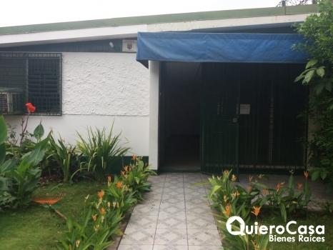 Renta hermosa casa en Calle principal de Altamira