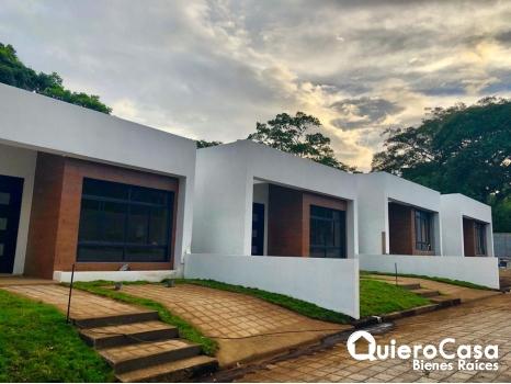 Preciosa casa en venta en Esquipulas, Financiamiento Disponible.