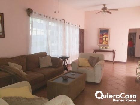 Renta bonita casa amueblada en Reparto San Juan