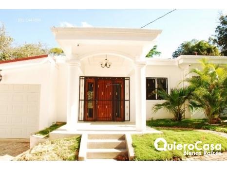 Se vende casa en Los Altos de villa Fontana