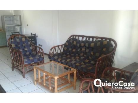 Se alquila apartamento amueblado en Los Robles