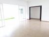 Renta / Venta Moderna casa en Santo Domingo