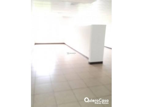 Se renta oficina de 75 mts2 en Villa Fontana