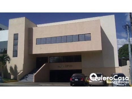 Se renta oficina de 172 mts2 en Villa Fontana