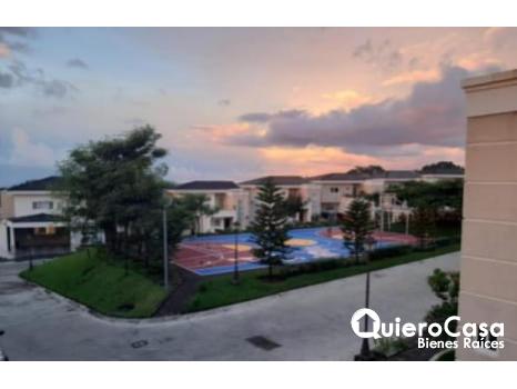 Renta casa con linea blanca en Santo Domingo