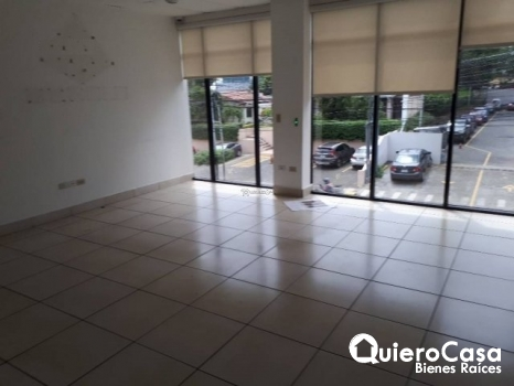Oficina en alquiler de 208 mts2 en Villa Fontana