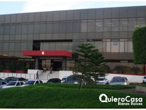 Alquiler de oficina de 1,000 mts2 en ofiplaza