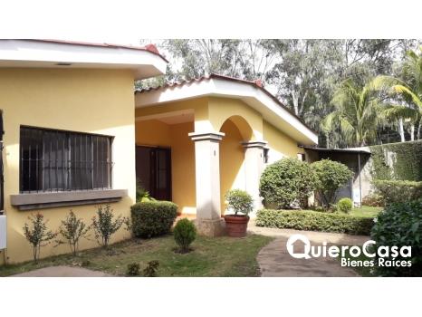 Se renta casa ideal para oficina en Lomas del Consuelo