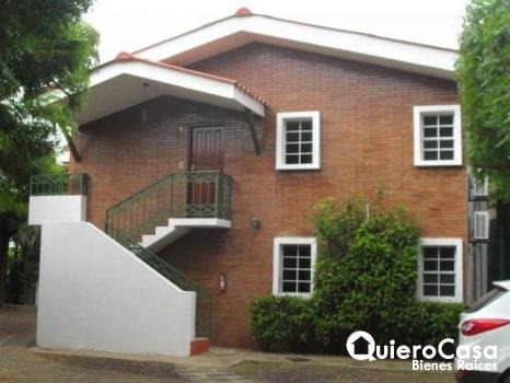 Se renta apartamento amueblado en Los Robles