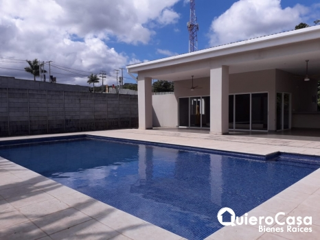 Preciosa casa amueblada en renta en La Estancia Santo Domingo