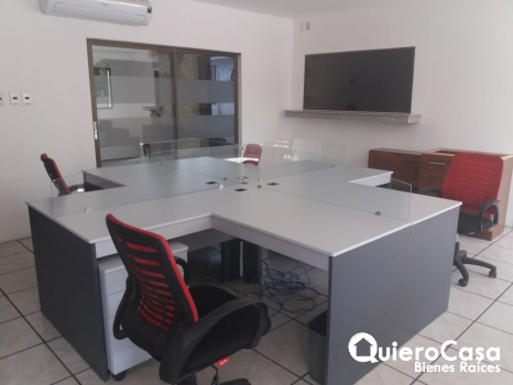 Renta de oficina amueblada en Bolonia