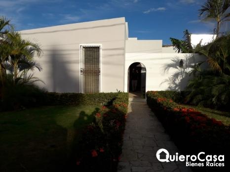 Se renta casa en Villa Fontana, ideal para oficina
