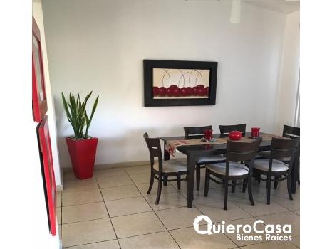 Se renta preciosa casa en Las Colinas