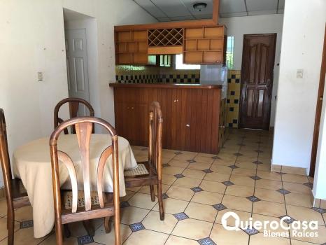 Preciosa casa amueblada en La Centroamerica