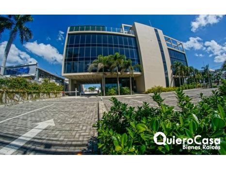 Renta/Venta de nuevo edificio de oficinas en Villa Fontana