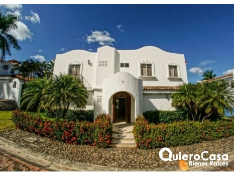 Hermosa Casa en La Estancia Santo Domingo